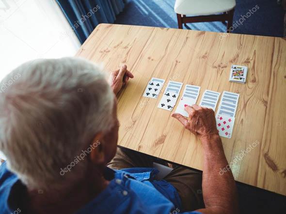 comfortkeepers-guia-cuidados-senior-cuidados-interactivos-estimulacao-cognitiva-